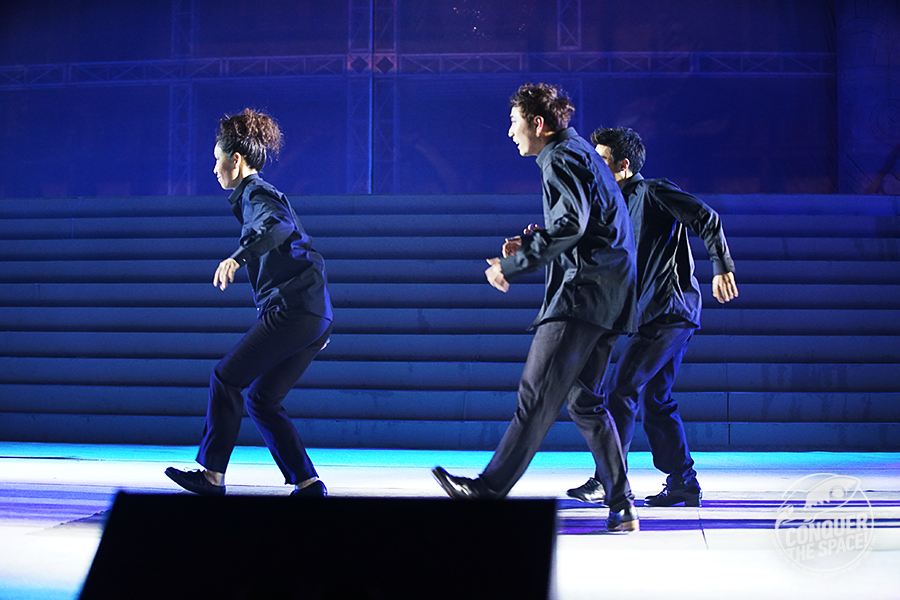 화려한 탭댄스를 선보인 댄서들