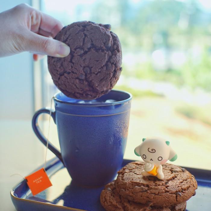 스푼즈 초코맛 쿠키를 밀크티에 찍어먹으면? 1