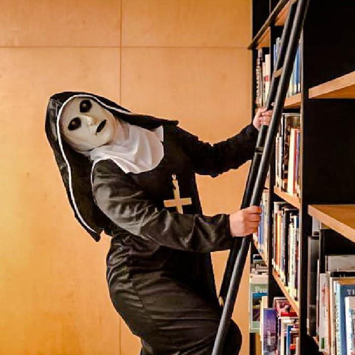 출근한 수녀님...? 2